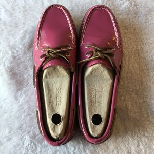 EUC Sperry Top Sider raspberry patent boat shoes